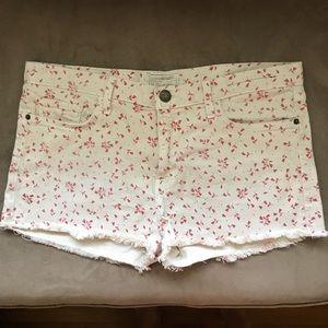 Current/Elliott sweet cream boyfriend jean shorts